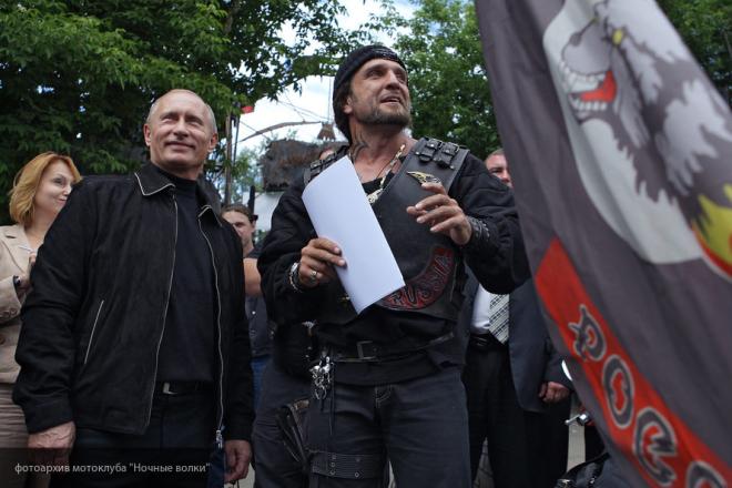 Он запустил «русский реактор»: Залдастанов о высоком рейтинге Путина