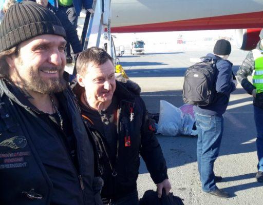Известный советский и российский байкер Хирург прилетел в Магадан